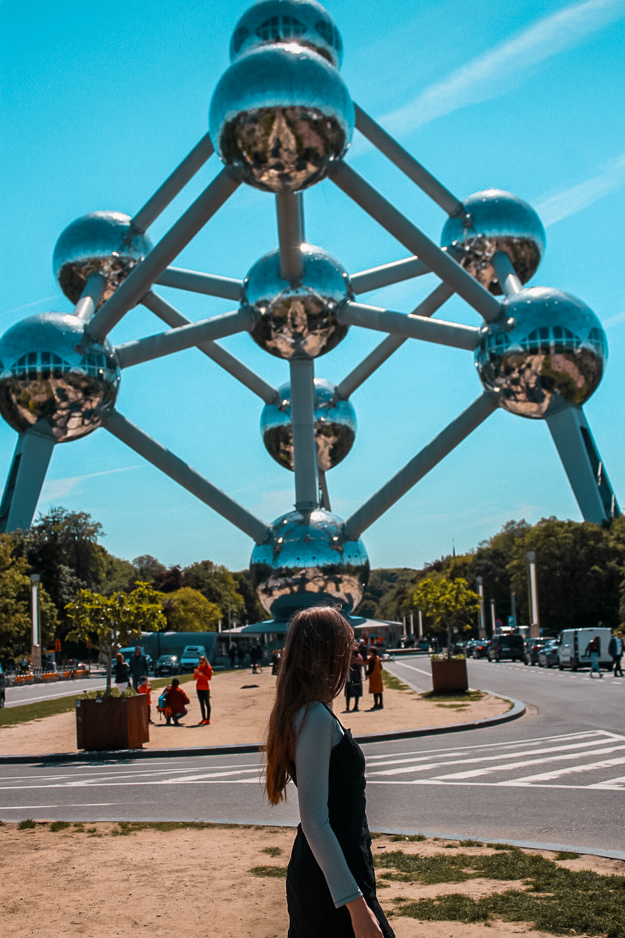 Girl in front of Atomium in Brussels  Perfect 2 day Brussels itinerary