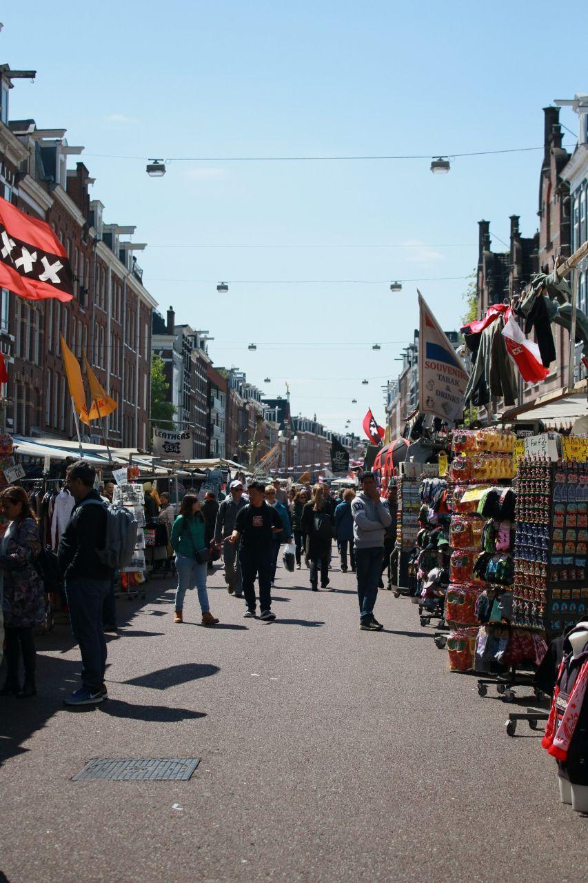 albert cuypmarket in amsterdam
