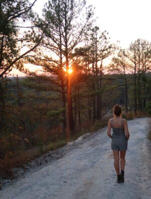 fall bucket list for college- hike