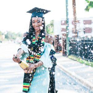 unique graduation picture ideas